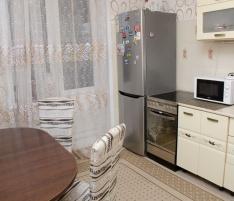 2-комнатная квартира на Дзержинского  21/1 (№ 549)
